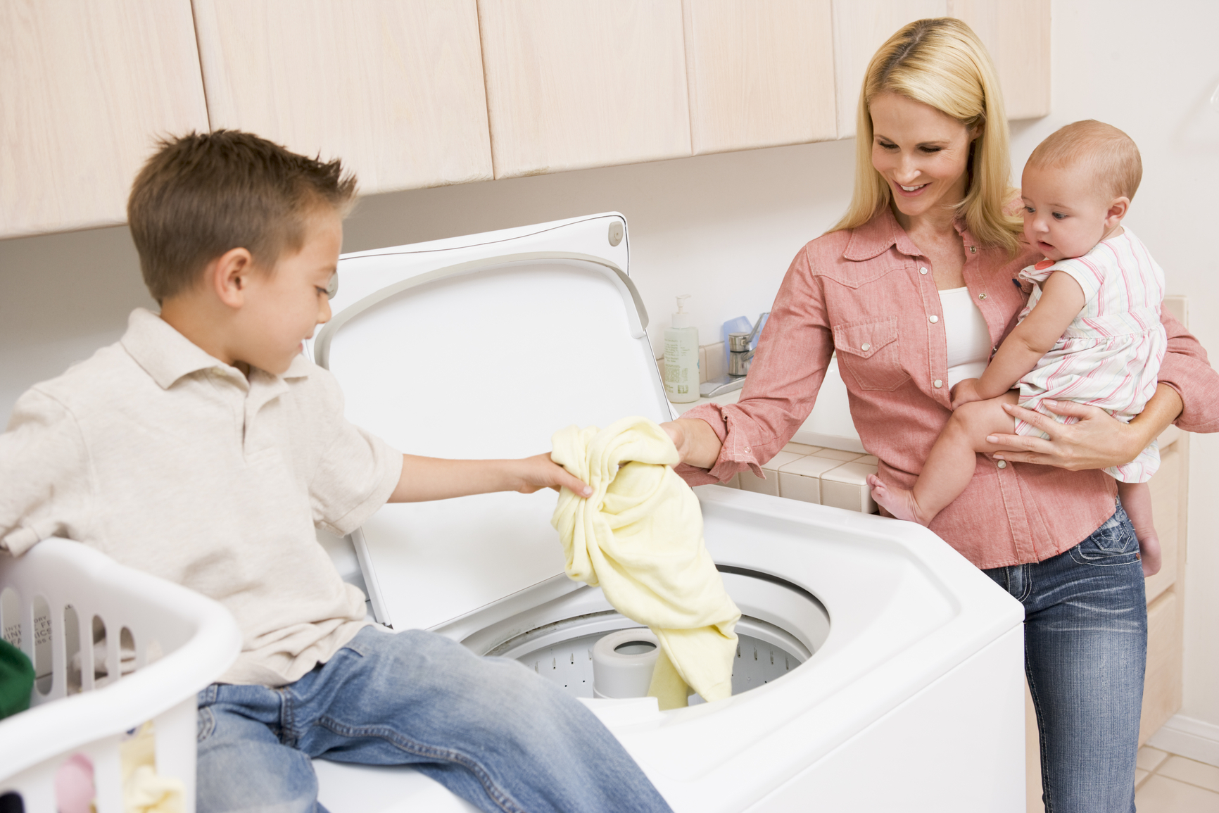 how to clean children's clothes stained with eczema creams